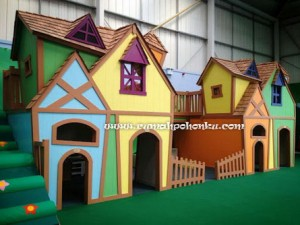 Playhouse Town (2)