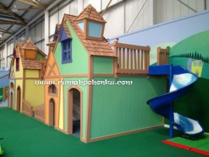 Playhouse Town (3)